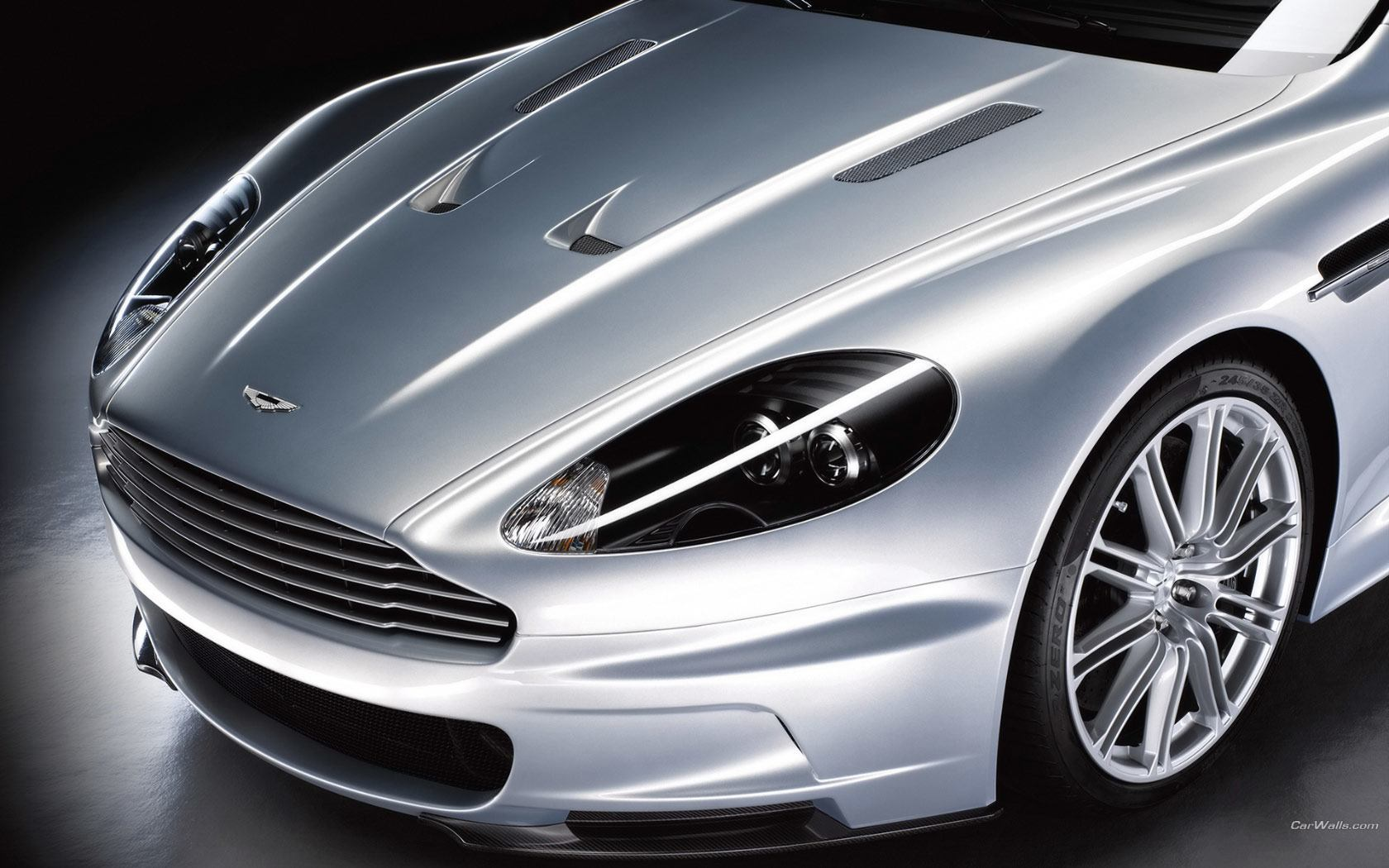 Aston Martin DBS close