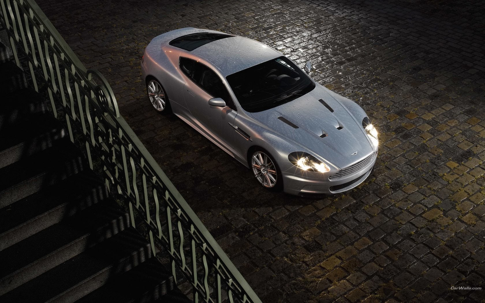 Aston Martin DBS top