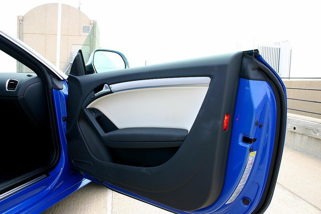 2009 Audi S5 door