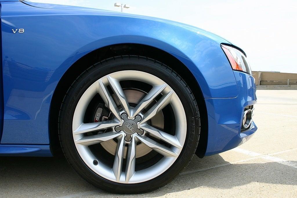 2009 Audi S5 front wheel