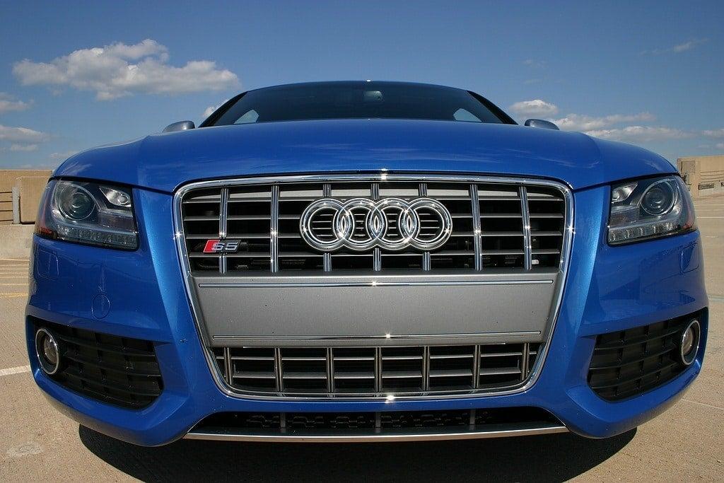 2009 Audi S5 front