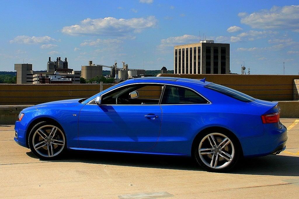 2009 Audi S5 side