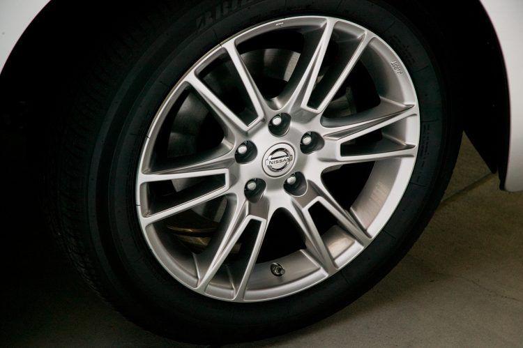 2008 Nissan Altima Coupe wheel