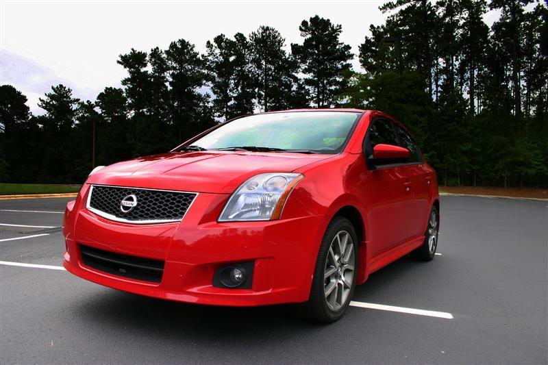 2008 Nissan Sentra SE-R front side