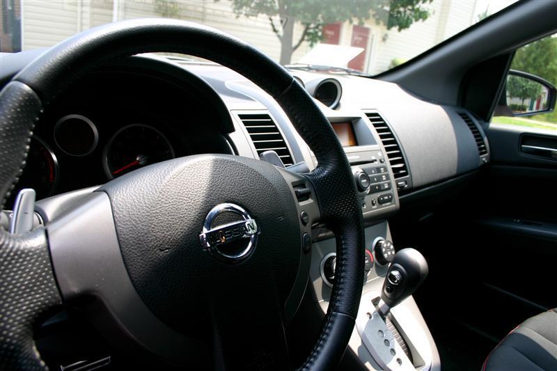2008 Nissan Sentra SE-R interior