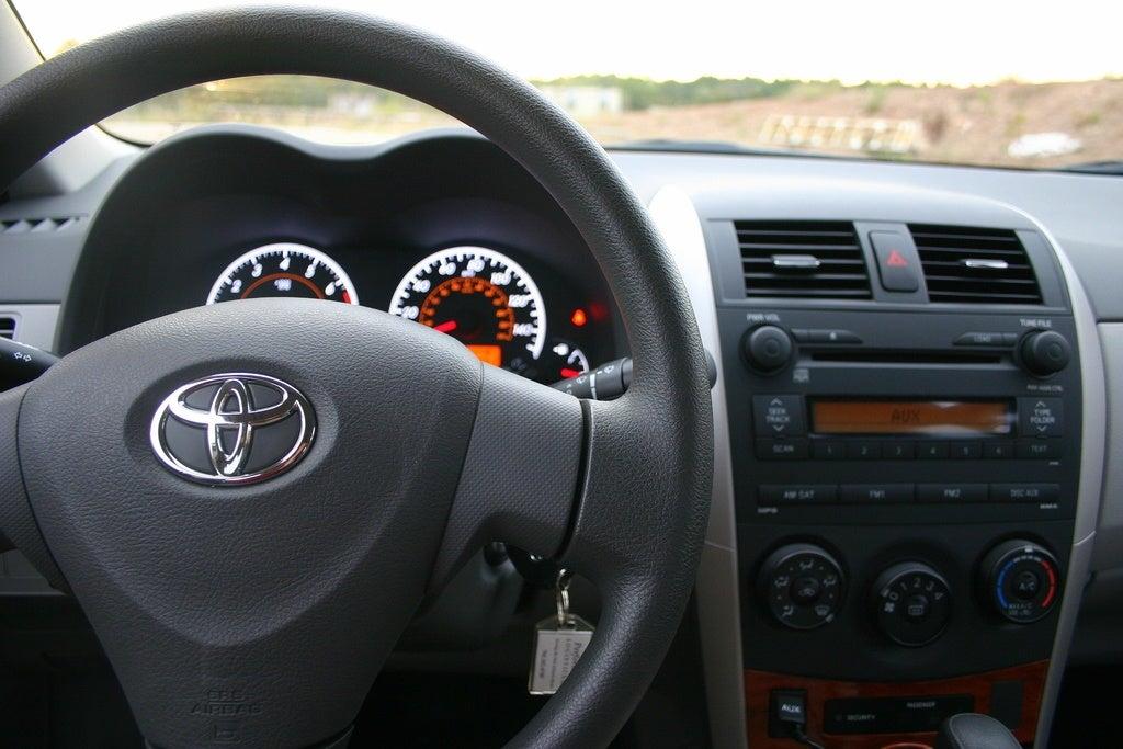 2009 Toyota Corolla XLE interior