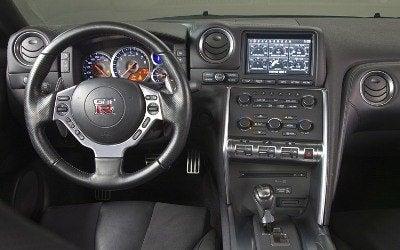 nissan-gt-r-interior-1.jpg