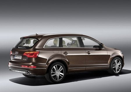 Q7Brown3quartRear.jpg