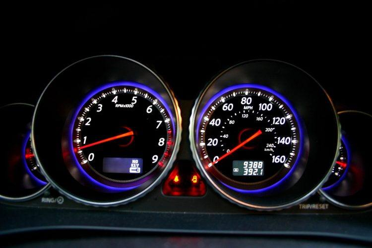 2009 Infiniti M35 gauges