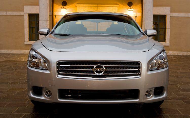 2009 Nissan Maxima front