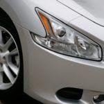 2009 Nissan Maxima headlight