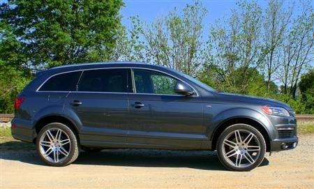 2009 Audi Q7 side
