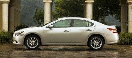 2009 Nissan Maxima side