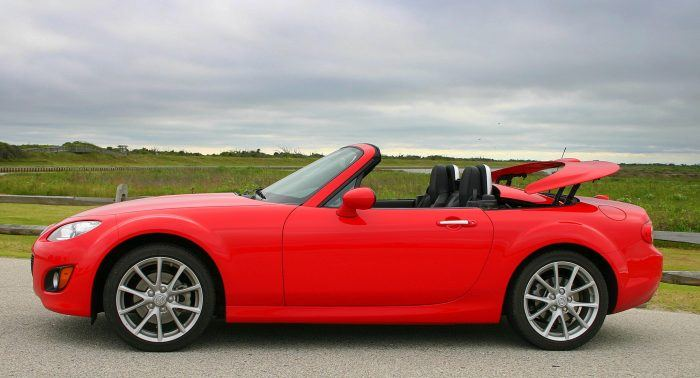 https://www.automoblog.net/wp-content/uploads/2009/07/2009-Mazda-MX-5-20-700x378.jpg