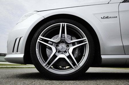 E 63 AMG front wheel.jpg