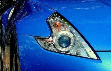 2009 Nissan 370Z headlight