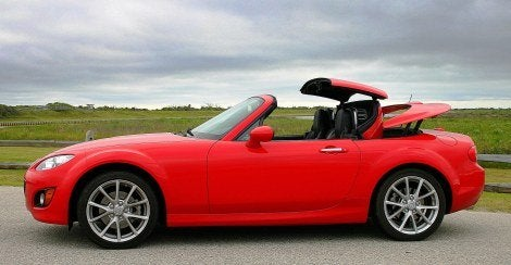 2009 Mazda MX-5 Miata retractable hardtop