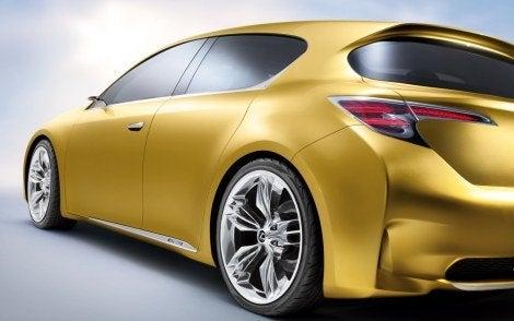 Lexus_LF-Ch_Hybrid (4).jpg