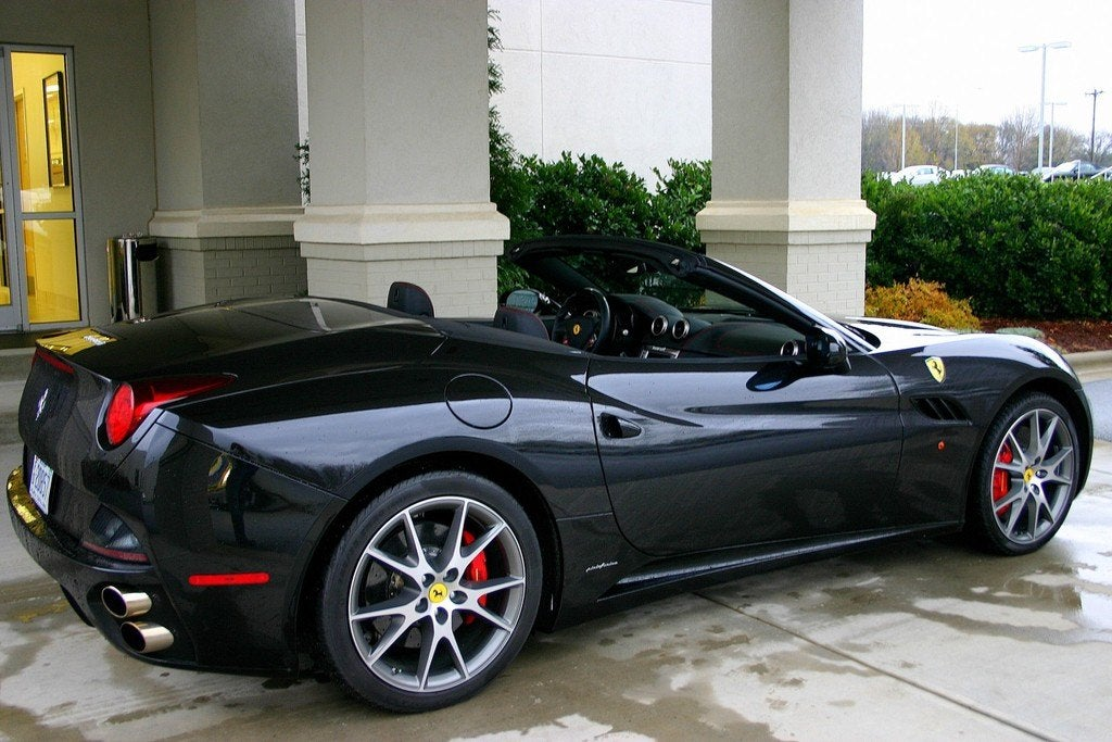 2010 Ferrari California rear side