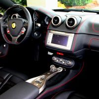 2010 Ferrari California interior