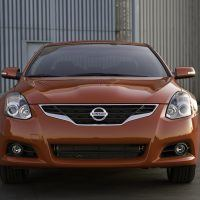 2010 Nissan Altima Coupe front