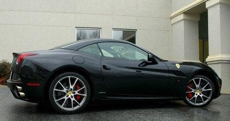 2010 Ferrari California side
