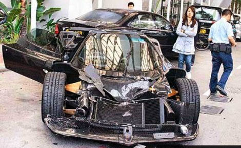 Pagani Zonda F Wrecks in Hong Kong