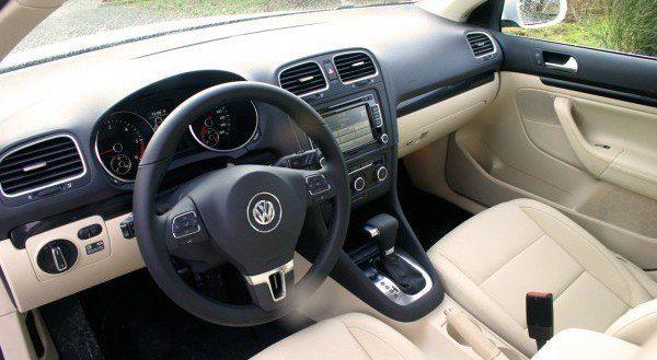 2010_VW_Jetta_TDI_SportWagen interior