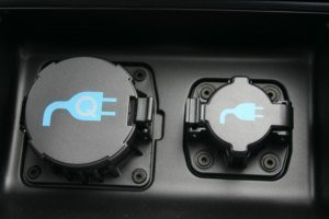 2011 Nissan Leaf plugs
