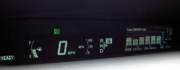 2010 Toyota Prius LCD