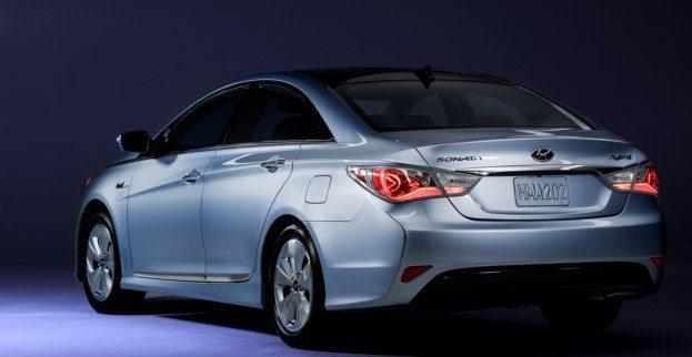 2011_Hyundai_Sonata_Hybrid