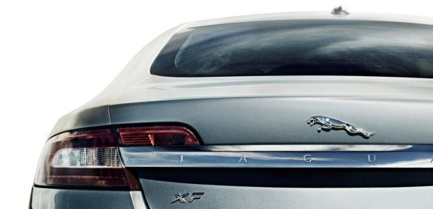 2010_Jaguar_XF tail