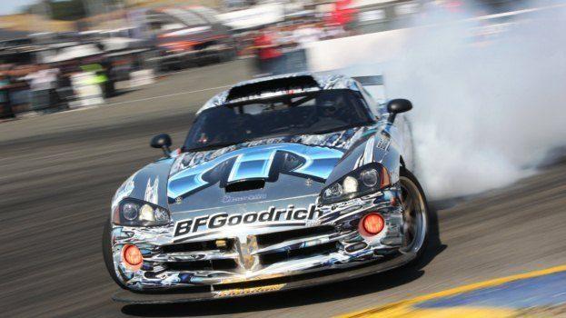 Dodge Viper Drifting