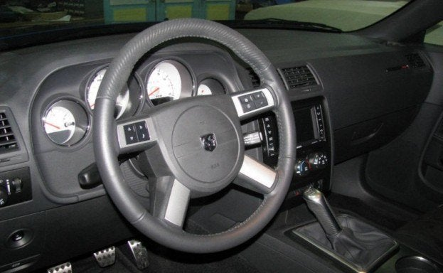 2009 Dodge Challenger SRT8 interior