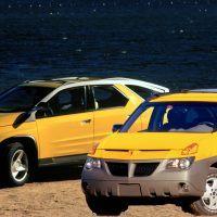 Pontiac-Aztek-Concept-and-2001-Pontiac-Aztek