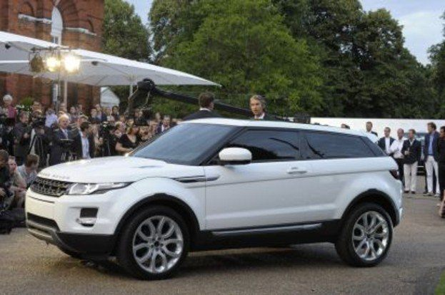 land rover in vogue with 2011 evoque. Black Bedroom Furniture Sets. Home Design Ideas