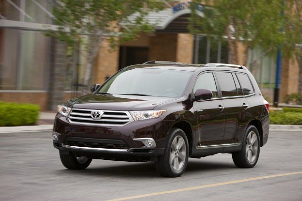 Toyota Highlander Ascends to New Altitude for 2011 15