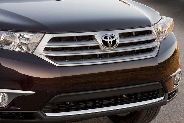 Toyota Highlander Ascends to New Altitude for 2011 16
