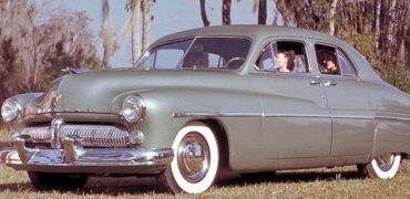 1949 Mercury 4 door coupe