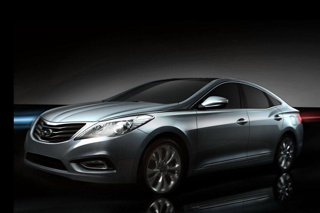 2012 Hyundai Azera Front SideView