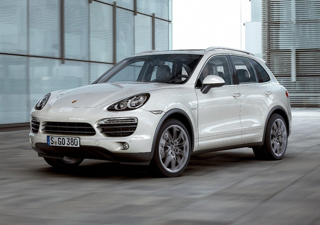 Porsche Cayenne Front Side View