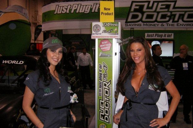 SEMA Booth Girls (11)