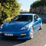 PorschePanameraHybridFrontViewInMotion