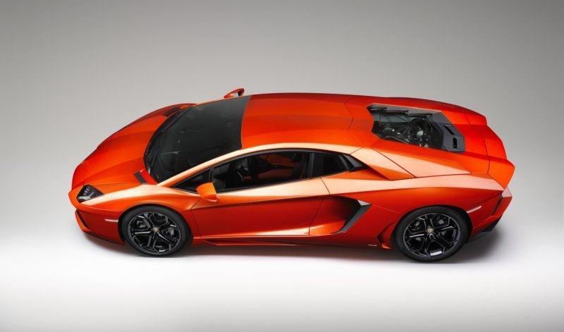 Lamborghini Aventador LP-700-4 top