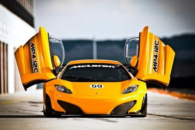 McLaren MP4-12C GT3 (1)