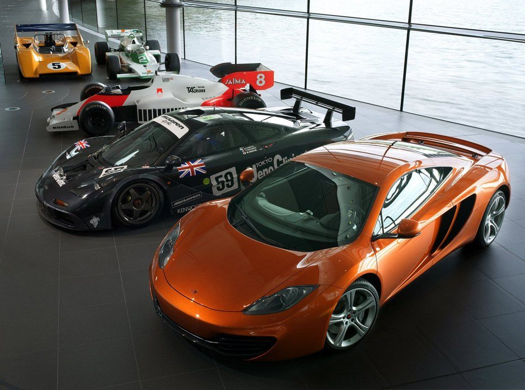 McLarenMP4-12CWithRaceCars