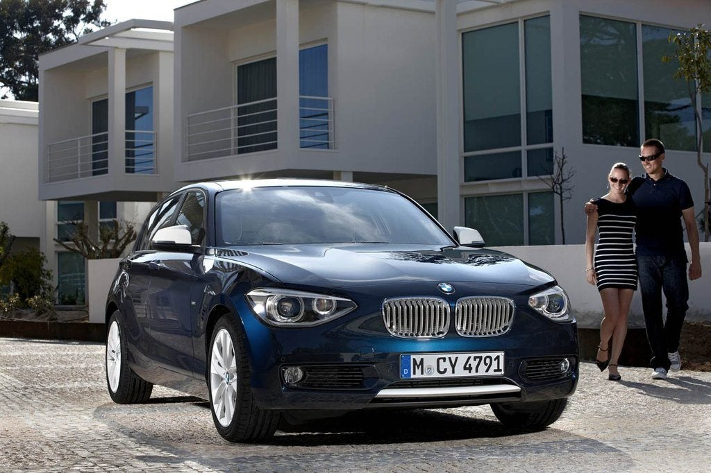 BMW1 SeriesFrontAngleBlue2
