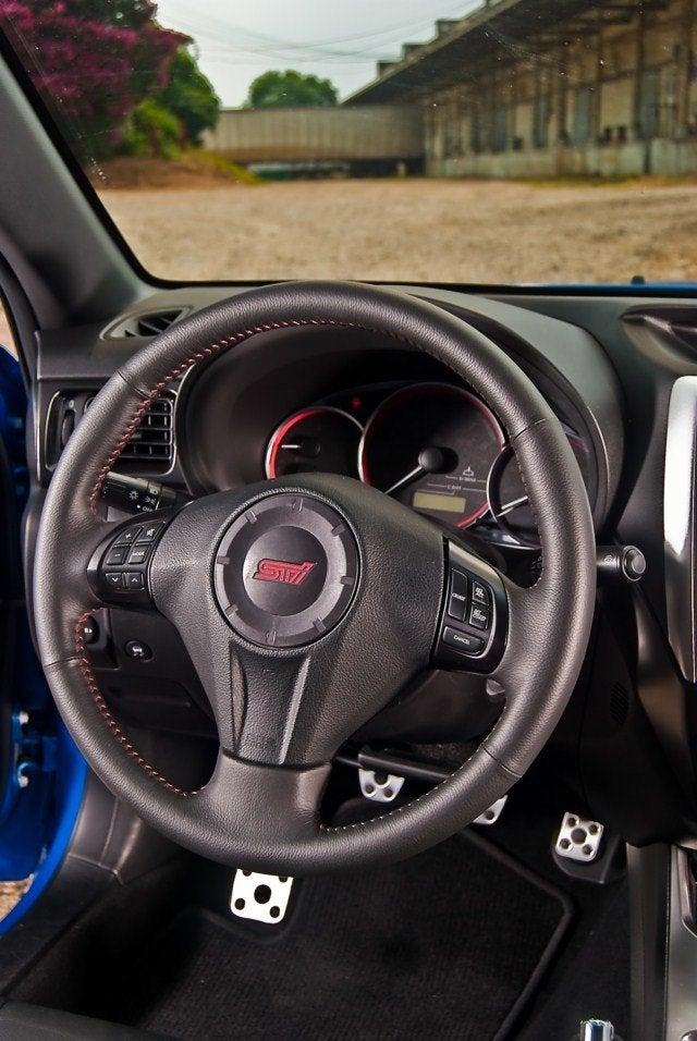 2011 Subaru WRX STI (16)