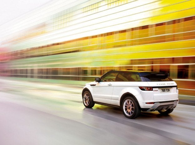 LandRoverEvoque2DoorRearInMotion