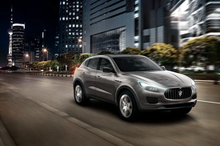 MaseratiKubangSUVFrontViewInMotion